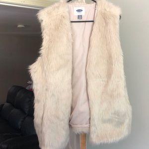 Woman's Old Navy Faux Fur Vest - size XL